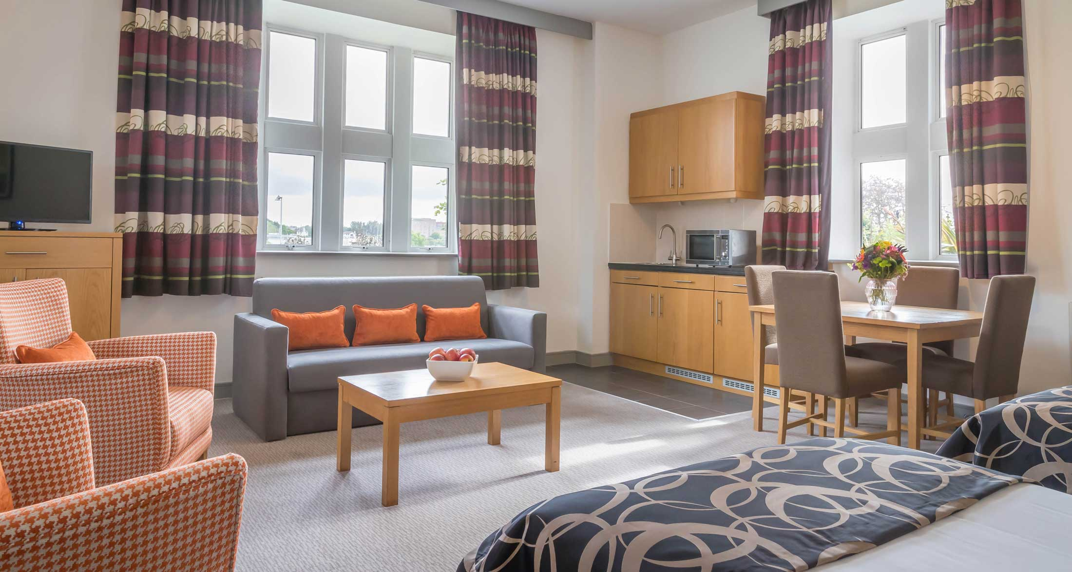 Clayton Hotel Sligo Family Suite Living Room And